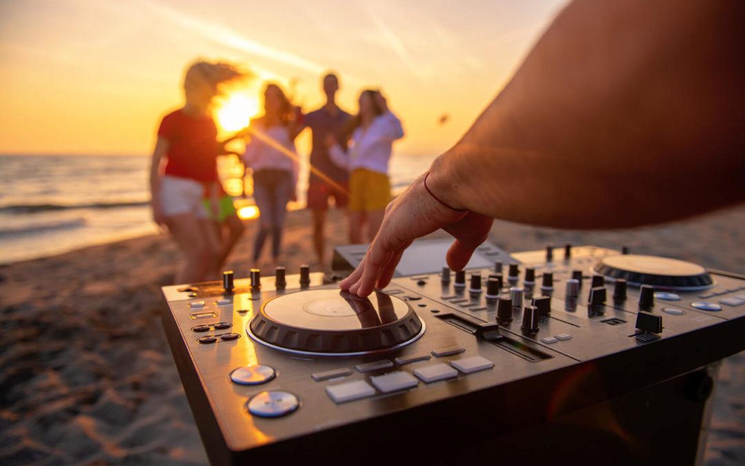 serata-in-spiagga-musica-amici
