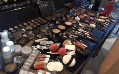 Il kit di cosmetici che ogni donna dovrebbe avere