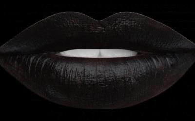 Labbra nere. Moda gotica o nuova tendenza?
